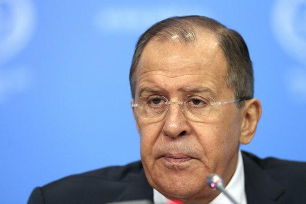 Sergej Lavrov na tlačovej konferencii.