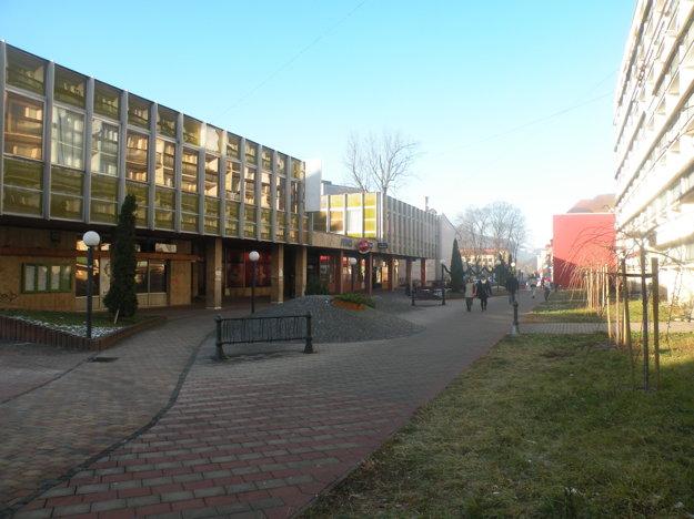 Ulica Maroša Madačova si zachovala svoj typický vzhľad až do súčasnosti.