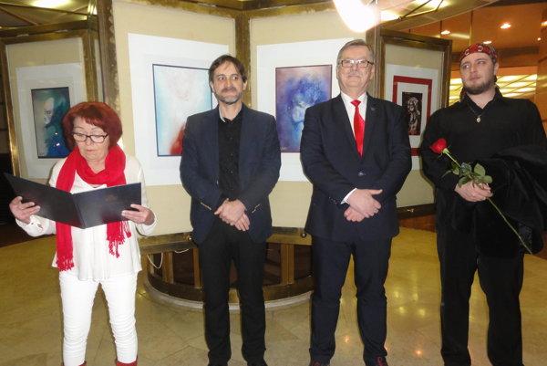 Na otvorení výstavy zľava Marta Hučková, Michal Spišák, Jaroslav Dóczy aRadim Černý.