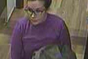 Hľadajú ženu,ktorá by mohla pomôcť pri objasnení krádeže.