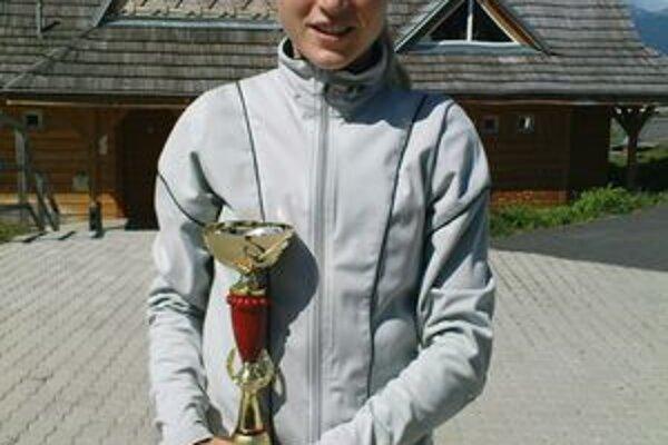 Petra Fašungová s jednou zo svojich trofejí.