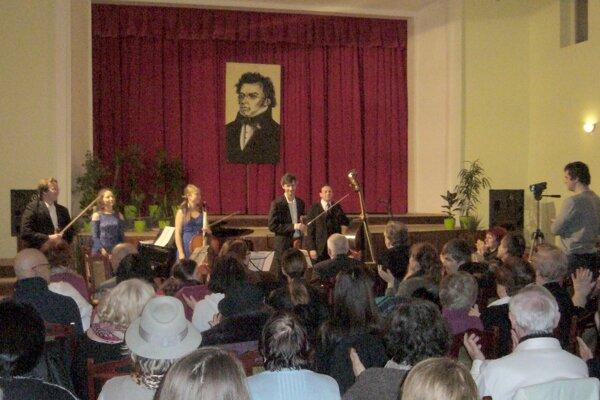 Koncert pri príležitosti 220. výročia narodenia skladateľa.