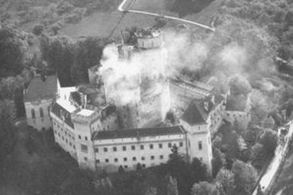 Bojnický zámok zachvátili plamene pred šesťdesiatimi rokmi.