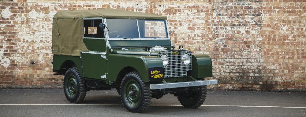 Ruch vo fabrike v Solihulle neutícha. Dnes tam sídli dielňa, ktorá renovuje staré Land Rovery a Range Rovery prvej generácie.