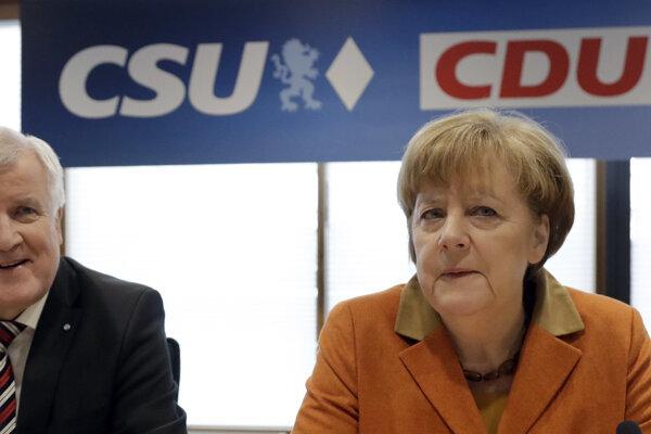 Predseda CSU Horst Seehofer a predsedníčka CDU Angela Merkelová.