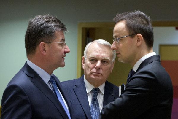 Lajčák v Bruseli pri rozhovore so šéfmi francúzskej a maďarskej diplomacie.