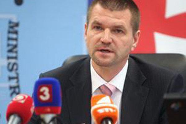 Igor Štefanov na včerajšej tlačovej besede.