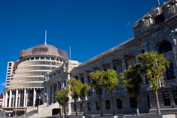Budova parlamentu vo Wellingtone na Novom Zélande.