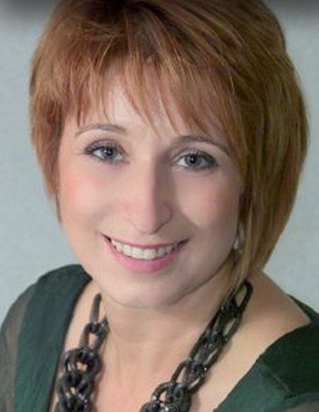 Vedením obce je poverená Anna Silvestrová.