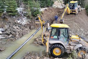 Práce trvali viac ako rok. Voda spod Babej hory je však už pri dedine.