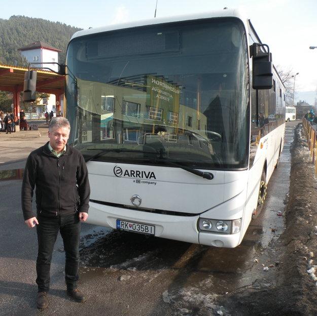 Marek Čigšaš šoféruje autobusy po Ružomberku už 15 rokov. Predtým zbieral skúsenosti niekoľko rokov aj v českom Hradci Králové.