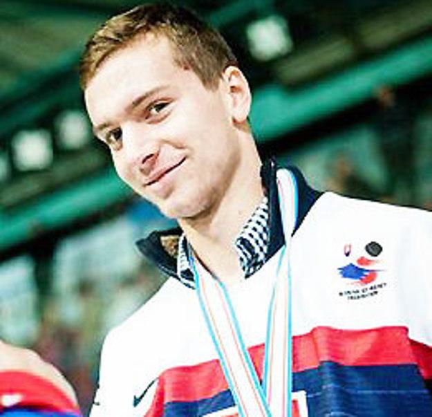 Michal Kabáč sa tešil s hokejistami z piateho miesta.