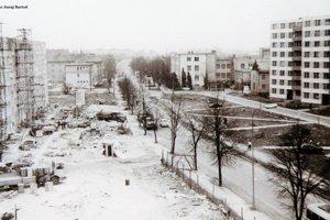 Pohľad na Ul. M. R. Štefánika smerom k bývalej detskej nemocnici a terajšiemu nadjazdu
