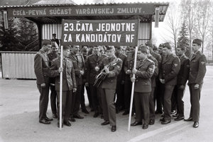Voľby vo vojenskej posádke v Brezne v roku 1976.