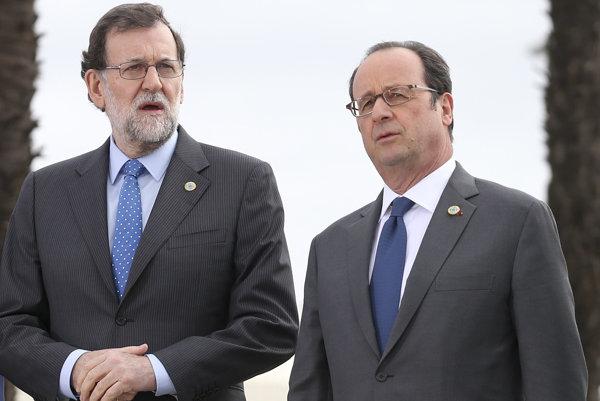 Španielsky premiér Mariano Rajoy a prezident Francois Hollande.