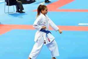 Nina Hlavačková získala skvelé tretie miesto v súbornom cvičení kata medzi 31 kadetkami.