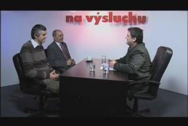 Ján Čarnogurský a Peter Tatár v diskusii s Karolom Sudorom.