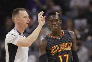 Basketbalový klub zámorskej NBA Atlanta Hawks potrestal jednozápasovou suspendáciou svojho hráča Dennisa Schrödera.