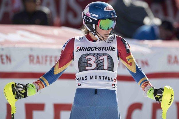 Americká lyžiarka Mikaela Shiffrinová v cieli slalomu kombinácie Svetového pohára vo švajčiarskej Crans Montane.