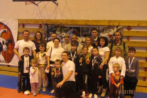 Výprava Taekwondo Hakimi Rožňava spolu sEidim Hakimim.
