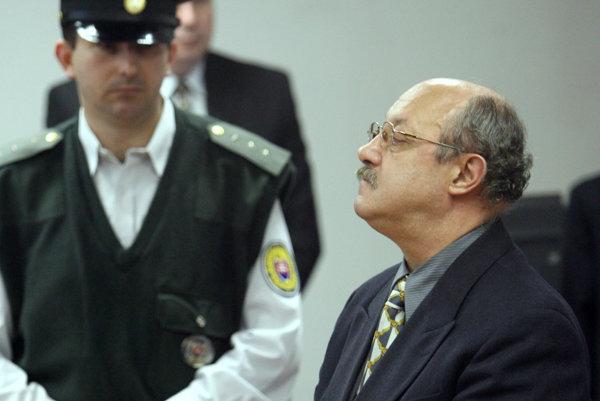 Fruni pred súdom v roku 2017.