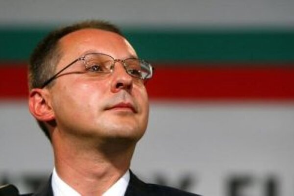 Bulharský premiér Sergej Stanišev. Fico zdôraznil, že pozornosť je nevyhnutné venovať aj obrovskému počtu líbyjských detí nakazených vírusom HIV/AIDS a vysokému počtu detí, ktoré tejto chorobe podľahli. Bulharský premiér dostal aj informáciu o aktivitách,