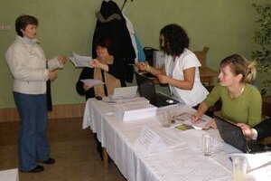Väčšinu voličov v Hornej Vsi neodrádza, že musia voliť za okres Partizánske.