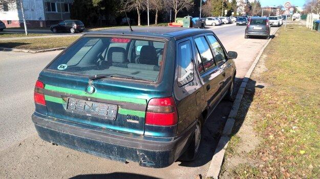 Vozidlo stálo na jednom mieste bez pohnutia niekoľko mesiacov.