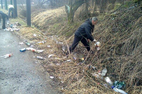 Zbieranie odpadkov v Martine.