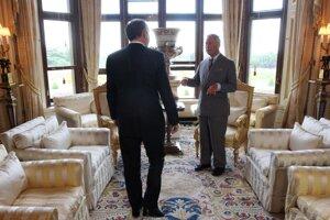 Prezident Andrej Kiska sa v pondelok na hrade Windsor stretol s Charlesom, princom z Walesu.