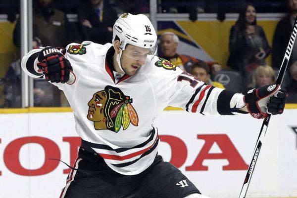 Arťom Anisimov v drese Chicaga Blackhawks.
