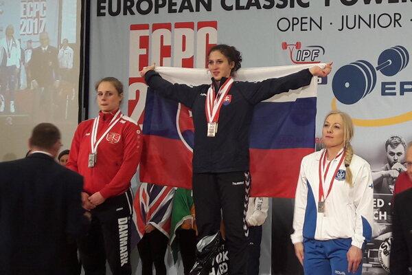 Ivana Horná (v strede) získala až štyri zlatá.