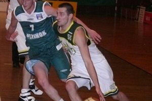 Najbližšie mesiace nemôže tréner BC Prievidza počítať s Martinom Biňovský.