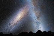 Budúca kolízia Mliečnej cesty a Andromedy na koláži.