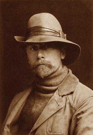 Autoportrét Edwarda S. Curtisa, muža, ktorý spával na svojom dychu.