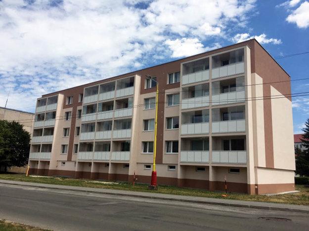 Bytový dom na Štúrovej ul. 3 v Hanušovciach nad Topľou.