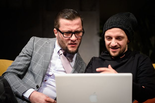 Marek Geišberg (Henry Wotton) a Tomáš Mischura (Basil Hallward).