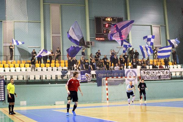Futsalisti MFsK mali opäť podporu nitrianskych ultra fanúšikov.
