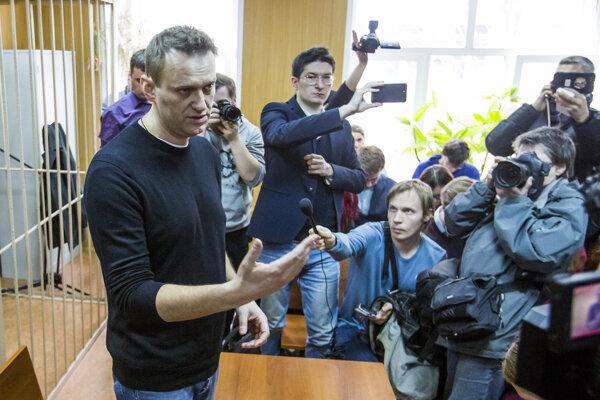 Ruský opozičný líder pred súdom.