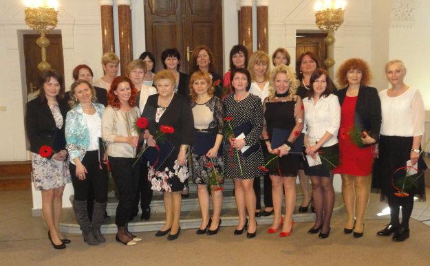 Ocenení pedagógovia materských a základných škôl v zriaďovateľskej pôsobnosti mesta Nitra.