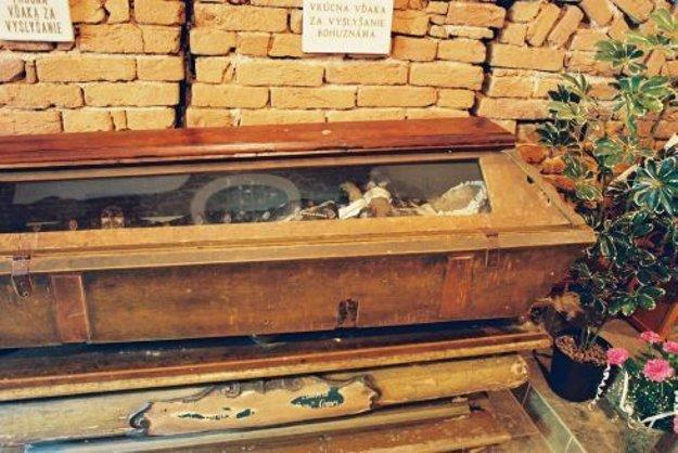 Jej telo ležalo v Loretánskej kaplnke v Tepličke nad Váhom.