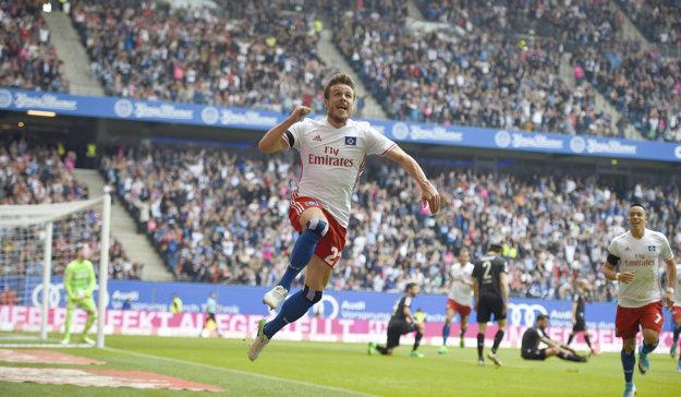 Nicolai Müller oslavuje gól do siete Kolína.