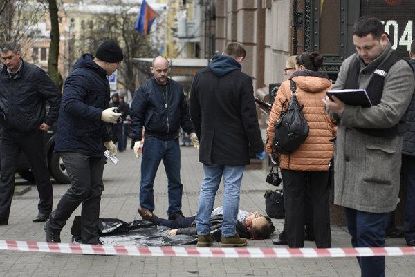 Exposlanca zavraždili na ulici.