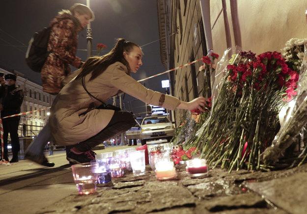 V ruskom veľkomeste v utorok začína platiť trojdňový smútok.