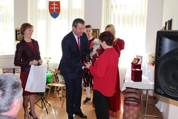 Učiteľov si aj tento rok uctil trenčiansky župan Jaroslav Baška.