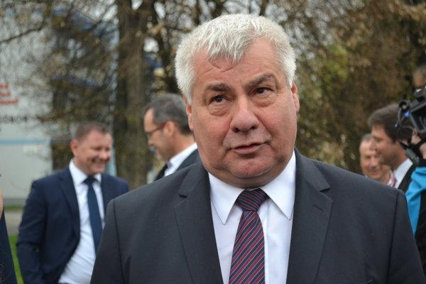 Minister Érsek.