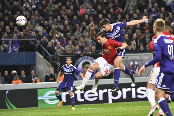 Futbalisti Anderlechtu Brusel v súboji s Manchestrom United - ilustračná fotografia.