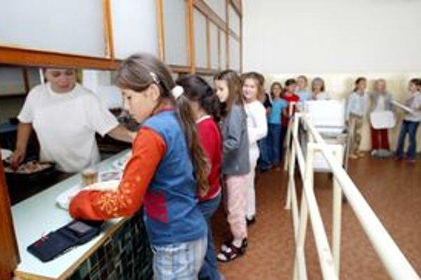 V škole sa už najedia aj deti so špeciálnymi diétami.