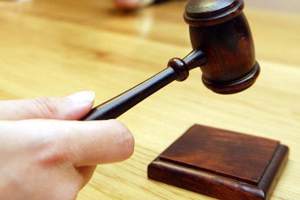 Podvodník uzavrel s prokurátorom dohodu o vine a treste.