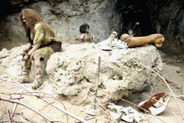 Expozícia v jaskyni zobrazuje život neandertálcov.